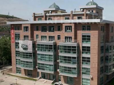 3-комнатная квартира, 130 м², 3/7 этаж, мкр Горный Гигант — Жамакаева за 65 млн 〒 в Алматы, Медеуский р-н — фото 3