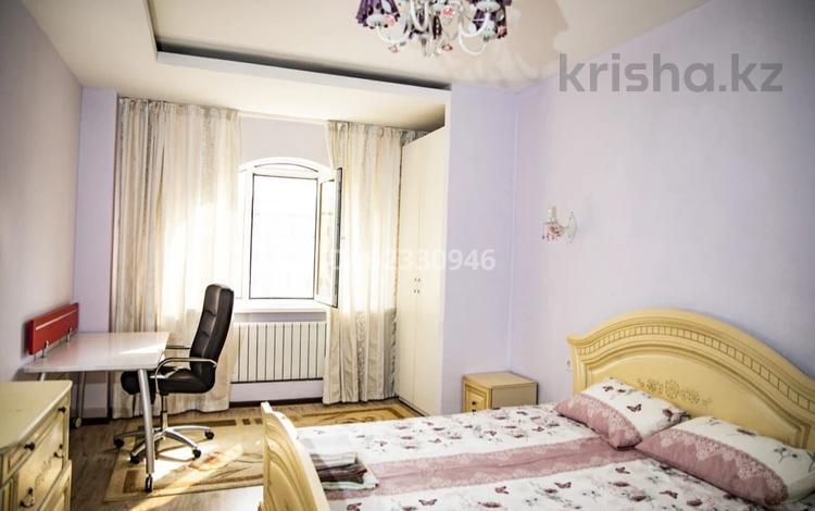 2-комнатная квартира, 60 м², 15/20 этаж посуточно, Навои 208 — Рыскулбекова за 14 000 〒 в Алматы, Бостандыкский р-н