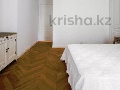 3-комнатная квартира, 180 м², 4/8 этаж помесячно, проспект Кабанбай батыра 13 за 400 000 〒 в Нур-Султане (Астана) — фото 5