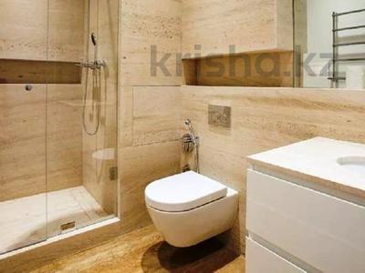 3-комнатная квартира, 180 м², 4/8 этаж помесячно, проспект Кабанбай батыра 13 за 400 000 〒 в Нур-Султане (Астана) — фото 7