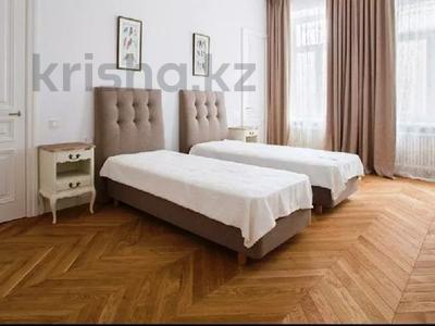3-комнатная квартира, 180 м², 4/8 этаж помесячно, проспект Кабанбай батыра 13 за 400 000 〒 в Нур-Султане (Астана) — фото 8