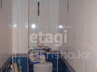 3-комнатная квартира, 67 м², 9/10 этаж, Жамбыла Жабаева за 20.3 млн 〒 в Петропавловске