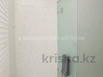 4-комнатная квартира, 166 м², 16/16 этаж, Аль-Фараби 21 — Желтоксан за 132 млн 〒 в Алматы, Бостандыкский р-н — фото 16