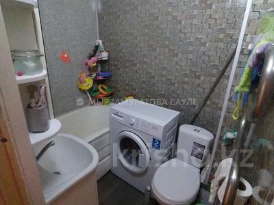 3-комнатная квартира, 60 м², 2/4 этаж, мкр №8, Мкр №8 за 19.6 млн 〒 в Алматы, Ауэзовский р-н — фото 6