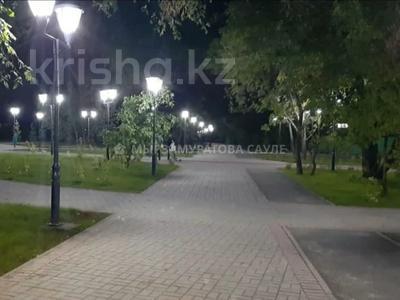 3-комнатная квартира, 60 м², 2/4 этаж, мкр №8, Мкр №8 за 19.6 млн 〒 в Алматы, Ауэзовский р-н — фото 2