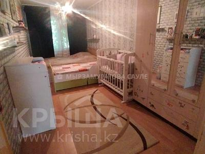 3-комнатная квартира, 60 м², 2/4 этаж, мкр №8, Мкр №8 за 19.6 млн 〒 в Алматы, Ауэзовский р-н — фото 12