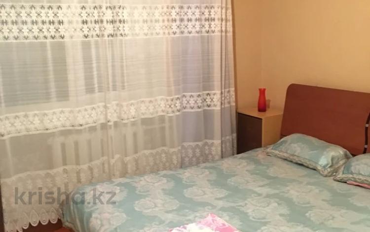 2-комнатная квартира, 45 м², 2/5 этаж посуточно, Азаттык 46 — Махамбета за 7 000 〒 в Атырау
