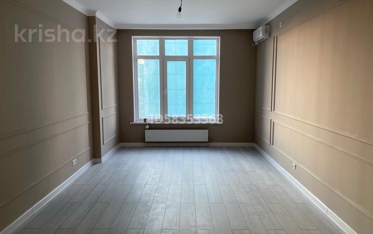 2-комнатная квартира, 74 м², 11/12 этаж, Атырау, ЖК Заман за 40 млн 〒