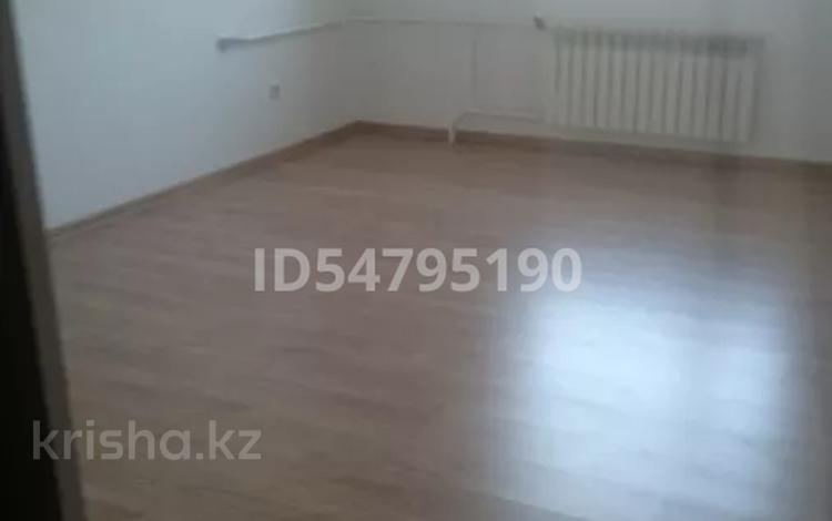 3-комнатная квартира, 80 м², 6/6 этаж, проспект Рахимжана Кошкарбаева за 28 млн 〒 в Нур-Султане (Астане), Алматы р-н