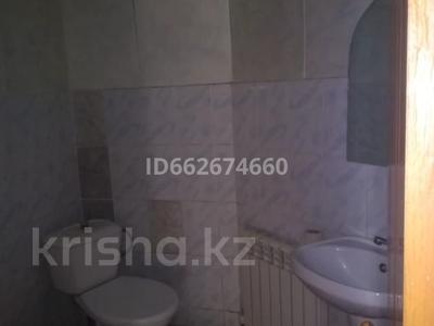 2-комнатная квартира, 90 м², 2/2 этаж помесячно, Алтынсарина 14 за 85 000 〒 в Каскелене
