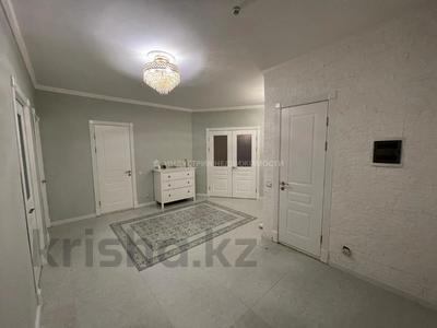 3-комнатная квартира, 105 м², 3/17 этаж, Тауелсиздик за 33 млн 〒 в Нур-Султане (Астане), Алматы р-н