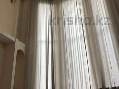 8-комнатный дом, 454 м², 8 сот., Мкр Кольсай 73 за 90 млн 〒 в Алматы, Медеуский р-н — фото 2