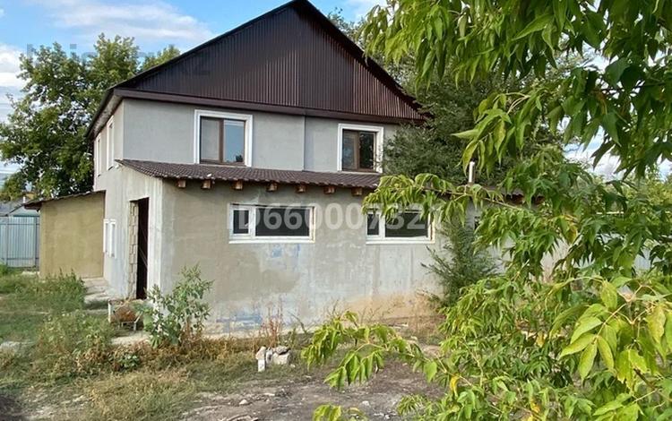 6-комнатный дом, 264.5 м², 8.1 сот., Железнодорожная 158 — проспект Абая за 29.5 млн 〒 в Аксае