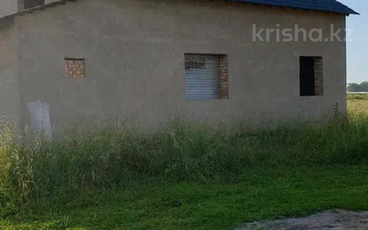 5-комнатный дом, 150 м², 8 сот., Батан за 9 млн 〒