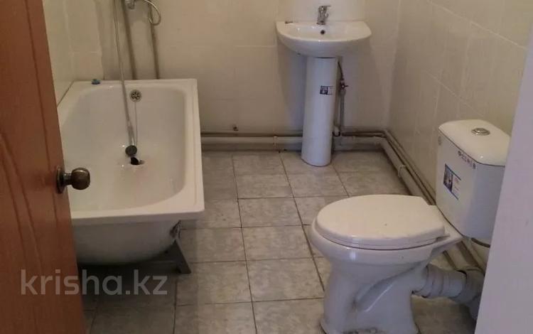 3-комнатная квартира, 74.7 м², 10/10 этаж, мкр Мамыр-3 17/1 — Саина за ~ 25.9 млн 〒 в Алматы, Ауэзовский р-н
