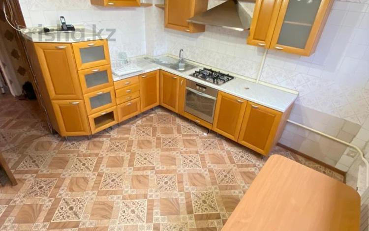 3-комнатная квартира, 70 м², 2/9 этаж, мкр Таугуль-1, Мкр Таугуль-1 за ~ 32 млн 〒 в Алматы, Ауэзовский р-н