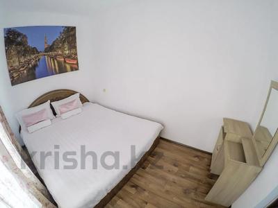 3-комнатная квартира, 65 м², 3 этаж посуточно, Жансугурова 71 за 9 000 〒 в Талдыкоргане — фото 2