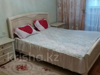 3-комнатная квартира, 70 м², 4/5 этаж посуточно, 8-й мкр, Мкр 8 3 за 9 000 〒 в Актау, 8-й мкр