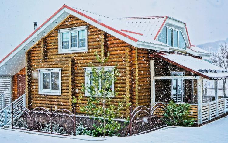 7-комнатный дом посуточно, 200 м², Жамбыла за 10 000 〒 в