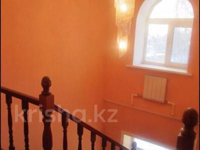 6-комнатный дом, 250 м², 25 сот., Луговая 11 за 28 млн 〒 в Северо-Казахстанской обл. — фото 8