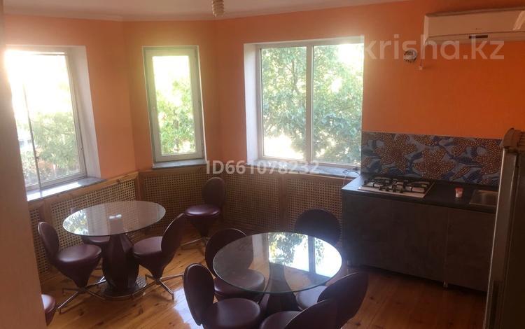5-комнатный дом помесячно, 150 м², Микрорайон Наурыз за 200 000 〒 в Шымкенте