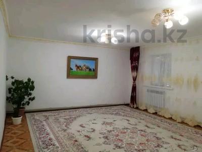 5-комнатный дом, 240 м², 9.3 сот., Жулдыз-1 40 — 18 улица за 21 млн 〒 в Аксае