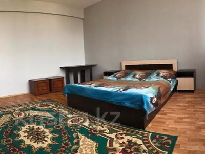 2-комнатная квартира, 72 м², 5/5 этаж посуточно, Курмангазы 5 за 7 000 〒 в Атырау — фото 6