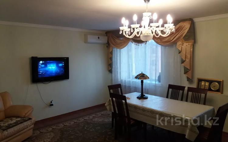 4-комнатная квартира, 84 м², 5/5 этаж, Кулманова 154 за 18.5 млн 〒 в Атырау