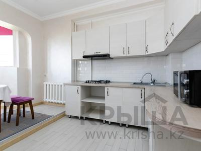 2-комнатная квартира, 54 м², 7/9 этаж посуточно, мкр Жетысу-1 25 за 12 500 〒 в Алматы, Ауэзовский р-н — фото 7
