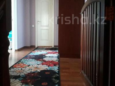 4-комнатная квартира, 147 м², 5/6 этаж, Джандосова — Саина за 45 млн 〒 в Алматы, Ауэзовский р-н — фото 13