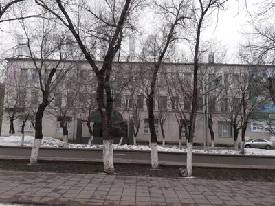 Здание, площадью 2020 м², Ленина 11 — Ерубаева за 1.1 млрд 〒 в Караганде, Казыбек би р-н
