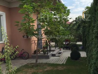 5-комнатный дом, 220 м², 8 сот., мкр Шугыла, Достык за 65 млн 〒 в Алматы, Наурызбайский р-н