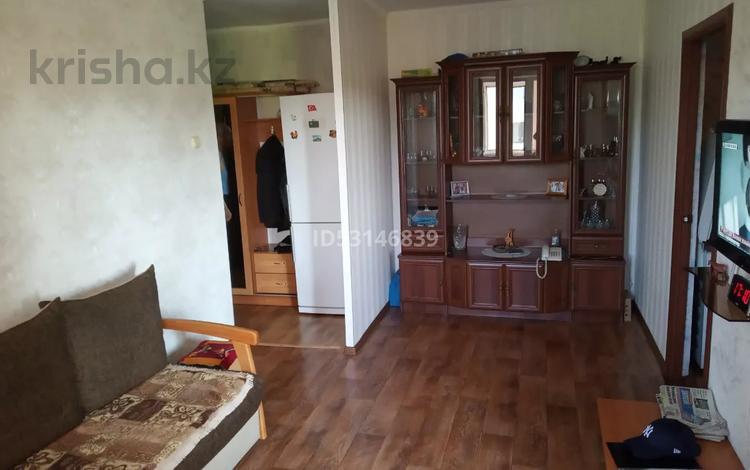 3-комнатная квартира, 48 м², 4/5 этаж, Есет Батыра 144 за 8 млн 〒 в Актобе, мкр 5
