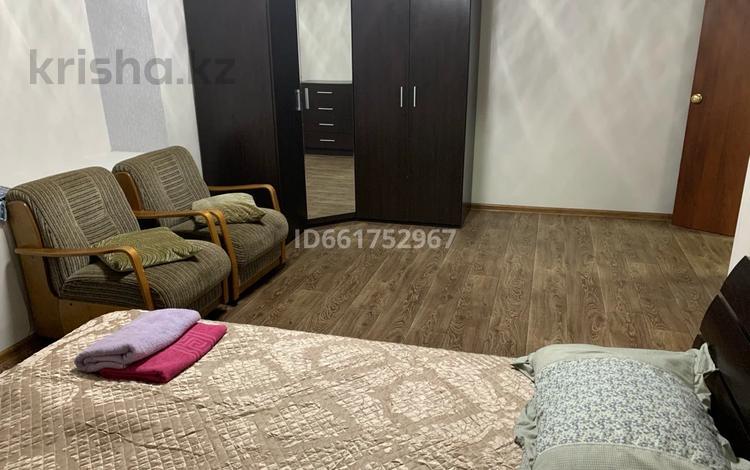1-комнатная квартира, 36 м², 2/5 этаж посуточно, Гоголя 51 за 7 000 〒 в Караганде