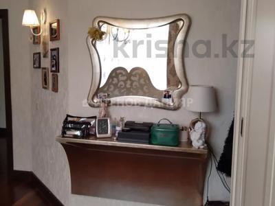 5-комнатный дом, 320 м², 4 сот., проспект Достык за 260 млн 〒 в Алматы, Медеуский р-н — фото 15
