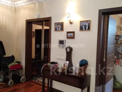 5-комнатный дом, 320 м², 4 сот., проспект Достык за 260 млн 〒 в Алматы, Медеуский р-н — фото 24
