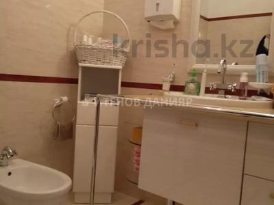 5-комнатный дом, 320 м², 4 сот., проспект Достык за 260 млн 〒 в Алматы, Медеуский р-н — фото 28