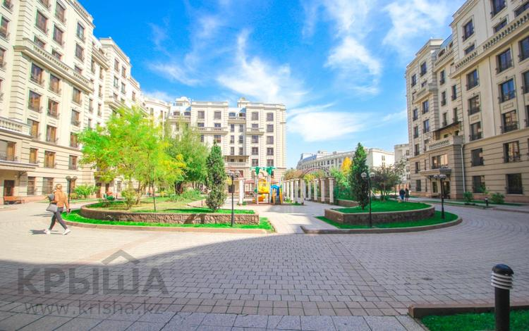 4-комнатная квартира, 128 м², Мкр. Мирас за 92 млн 〒 в Алматы, Бостандыкский р-н