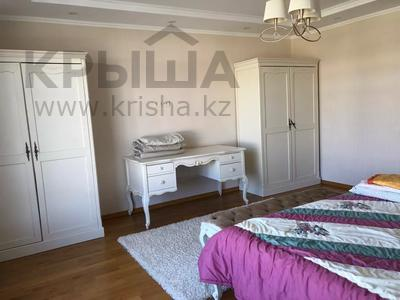 7-комнатная квартира, 377 м², 1/3 этаж помесячно, проспект Улы Дала за 1.3 млн 〒 в Нур-Султане (Астана) — фото 12