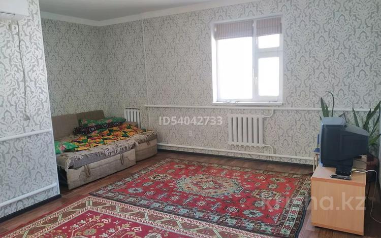2-комнатный дом помесячно, 150 м², 6 сот., Достык 1234 за 70 000 〒 в Баскудуке