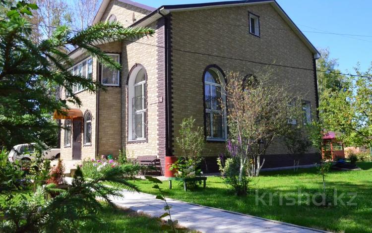7-комнатный дом, 256 м², 19 сот., Березовая роща 46 за 84.9 млн 〒 в Барнауле