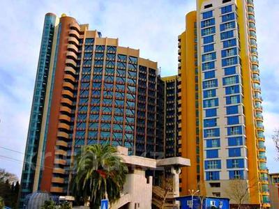 3-комнатная квартира, 116 м², 15/23 этаж, Пушкина 6 за 45 млн 〒 в Сочи — фото 2