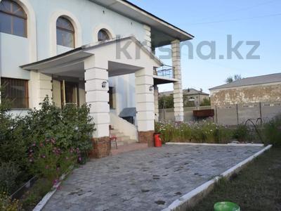 Здание, площадью 750 м², Валиханова — Пархоменко за 55 млн 〒 в Семее
