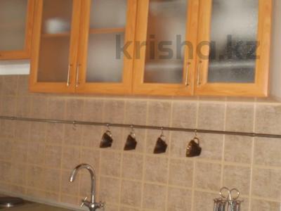2-комнатная квартира, 45 м², 1/9 этаж посуточно, Академика Чокина за 7 000 〒 в Павлодаре