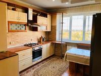 3-комнатная квартира, 70 м², 5/9 этаж на длительный срок, мкр Жетысу-1 за 240 000 〒 в Алматы, Ауэзовский р-н