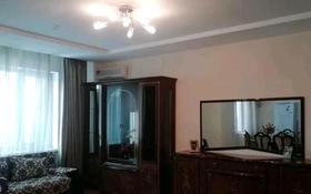 3-комнатная квартира, 110 м², 4/36 этаж помесячно, Кабанбай батыра 11 за 250 000 〒 в Нур-Султане (Астана), Есиль р-н