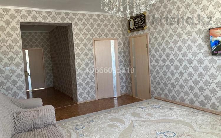 5-комнатный дом, 240 м², 10 сот., Тенге Дина Нурпейсова 18уй за 22 млн 〒 в Жанаозен