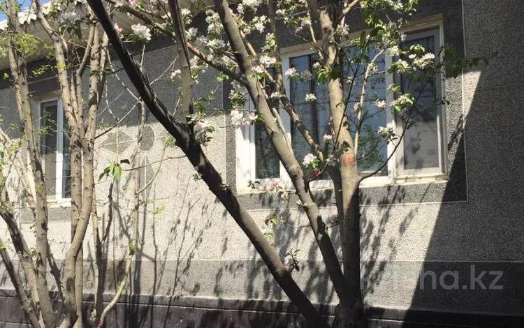 6-комнатный дом, 104.9 м², 6 сот., мкр АДК, Сухэ Батора за 32 млн 〒 в Алматы, Алатауский р-н