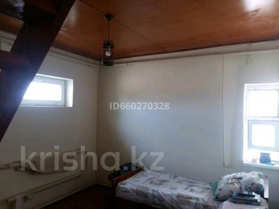 5-комнатный дом, 100 м², 7 сот., улица Думан 175 за 6 млн 〒 в Атамекене — фото 6