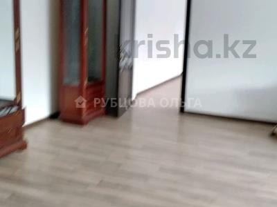8-комнатный дом помесячно, 360 м², 5 сот., улица Жарокова — Ходжанова за 1 млн 〒 в Алматы, Бостандыкский р-н — фото 6